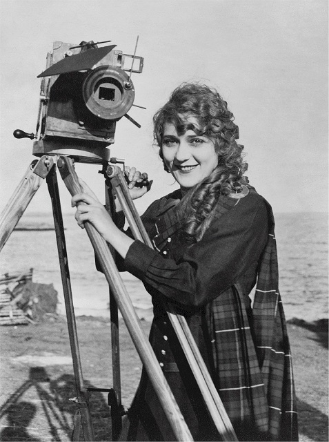 mary-pickford-516151_1280 2