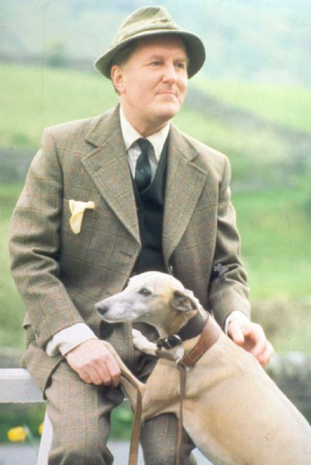 Robert Hardy  All Creatures Great and Small BBC British Actors