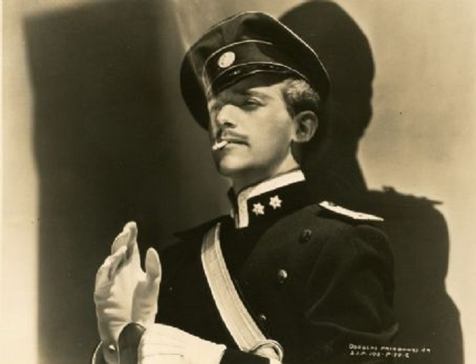 The Prisoner of Zenda (1937) Douglas Fairbanks Jr Hentzau